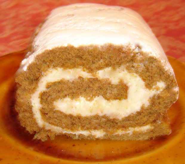GLUTEN-FREE PUMPKIN ROLL For The HOLIDAYS